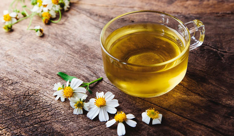 5 Benefícios do Chá de Camomila! – Clínica Santa Mônica